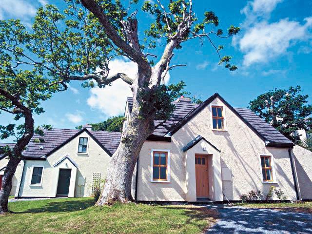 cottage clifden avec traversee maritime incluse connemara irlande avec voyages leclerc. Black Bedroom Furniture Sets. Home Design Ideas