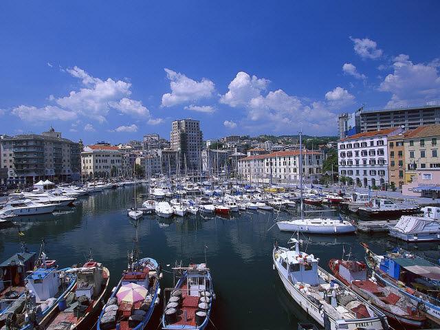 Espagne - Barcelone - Italie - Croisière Bleu Lavande avec le Costa Favolosa