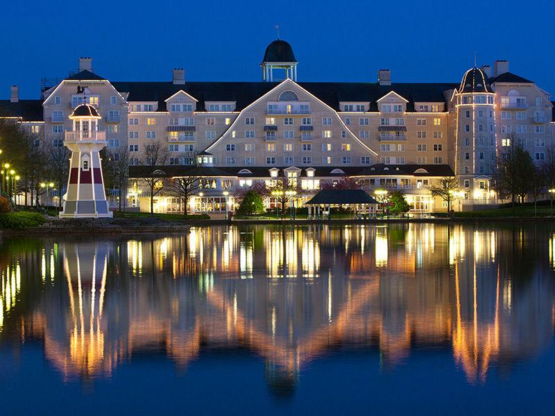 Disney's Newport Bay Club® - Découvrez la féerie de l'hiver !