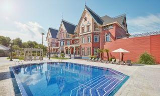 PortAventura World - Hôtel Mansion de Lucy 5* avec accès illimité à PortAventura Park et une entrée à Ferrari Land