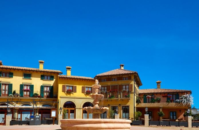 hotel portaventura 4 avec une entree a ferrari land et l 39 acces illimite a port aventura park. Black Bedroom Furniture Sets. Home Design Ideas