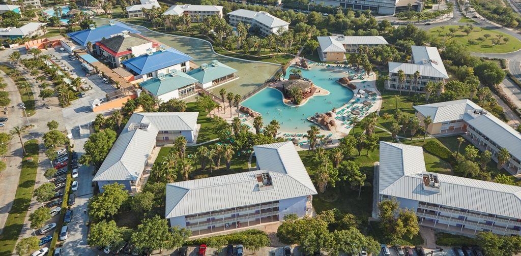 PortAventura Hôtel Caribe 4* avec accès ilimité à PortAventura Park et une entrée à Ferrari Land